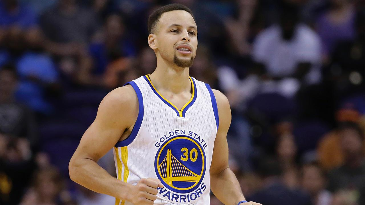 Warriors beat Suns for best 52-game record in NBA history